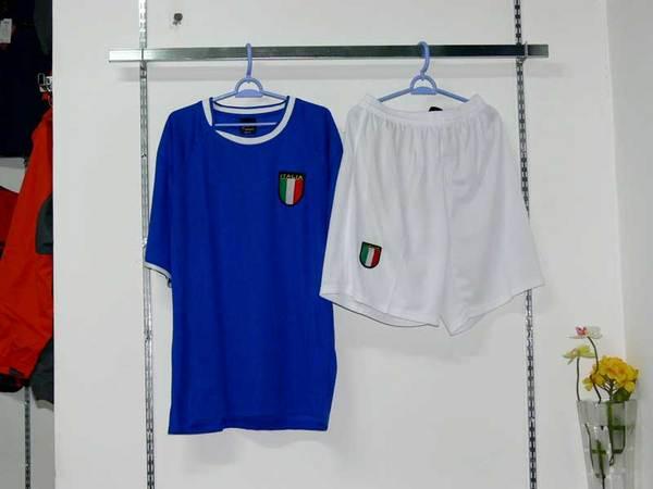 купить майки футбольных клубов в подарок 924 : надписи на футболках для...